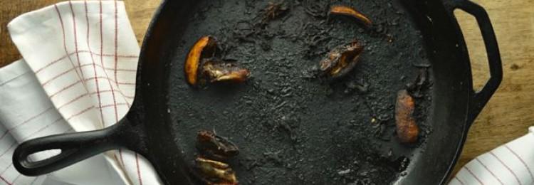 Что делать, если пригорает чугунная сковорода