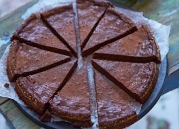 Фруктово — шоколадное, веганское угощение на основе традиционного шведского тортика