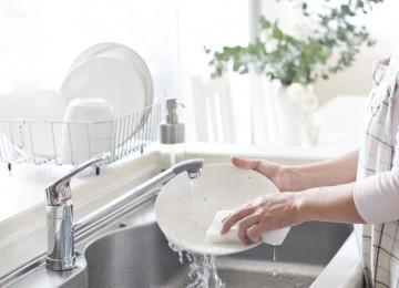 Топ-9 способов мытья посуды, о которых знают не все хозяйки