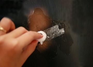 Чем и как удалить следы от скотча на пластике