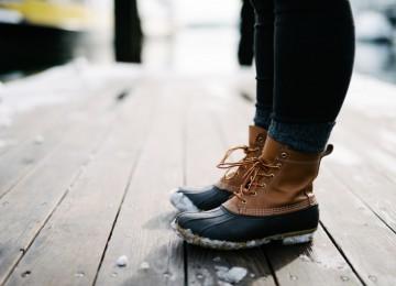 Как убрать некрасивые пятна соли на обуви — мне подсказали на кафедре химии в университете