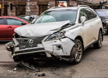 Жена разбила машину моей сестры