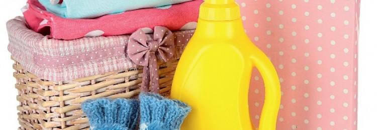 Обычным порошком детские вещи не стирайте