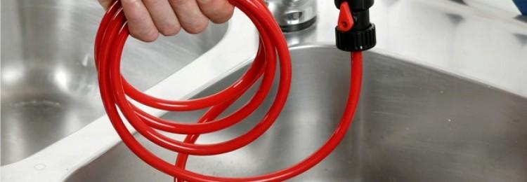 Чистка канализационных труб содой и уксусом