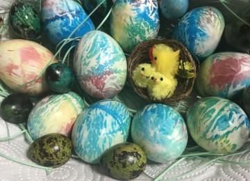 Необычные способы окраски яиц