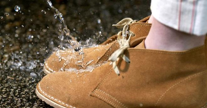 Народные рецепты, которые сделают обувь непромокаемой