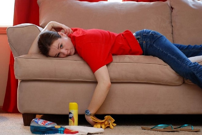 Чем вывести пятна от йода с дивана