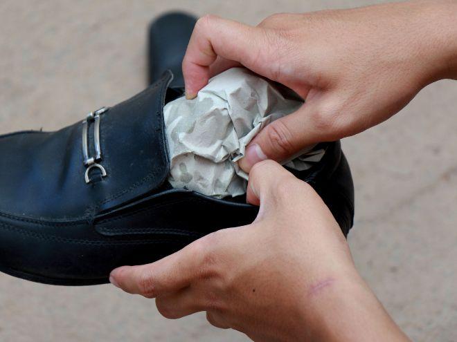 Как размягчить кожу для обуви