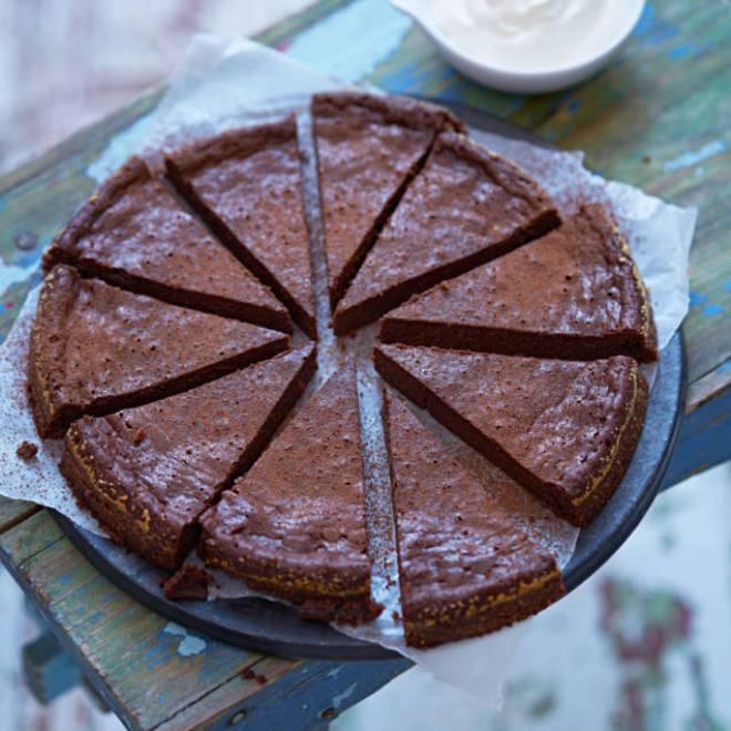 Фруктово - шоколадное, веганское угощение на основе традиционного шведского тортика