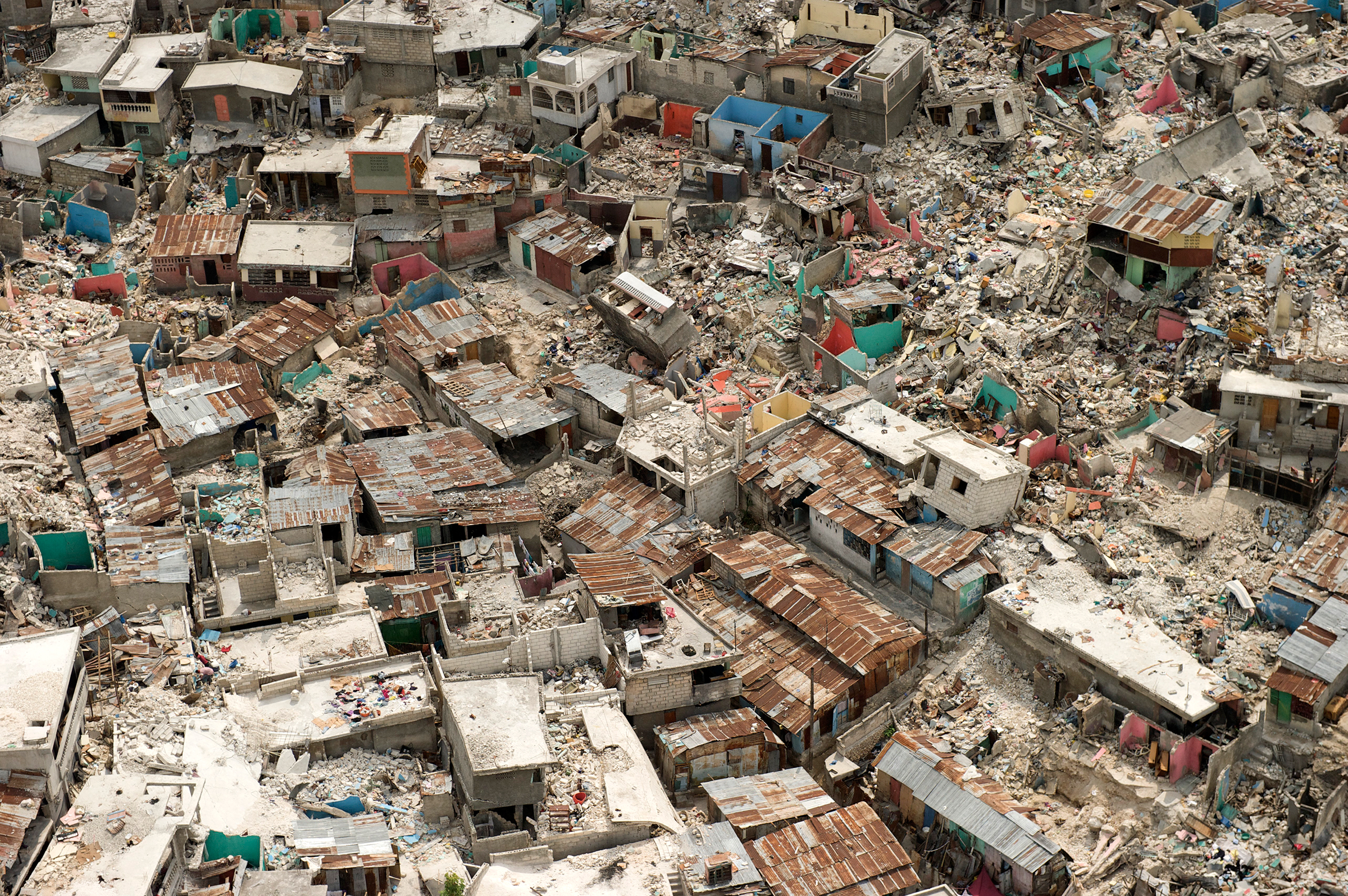 devastating earthquake ravaged haiti - HD 2400×1597