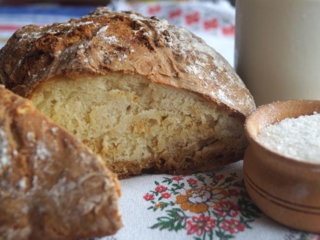 Как сделать бездрожжевой хлеб в домашних условиях
