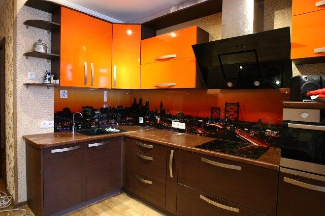 Коричневая кухня в интерьере