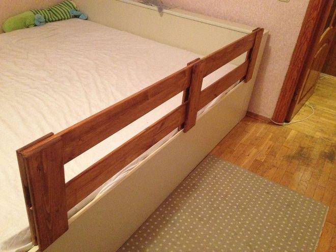 Бортик для детской кровати от падений