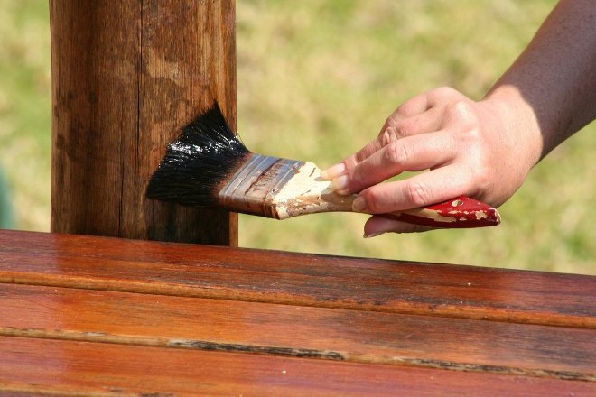 Чем обработать древесину от грибка и плесени