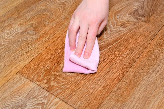 Чем отмыть ржавчину с линолеума