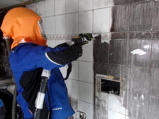 Чем отмыть сажу после пожара