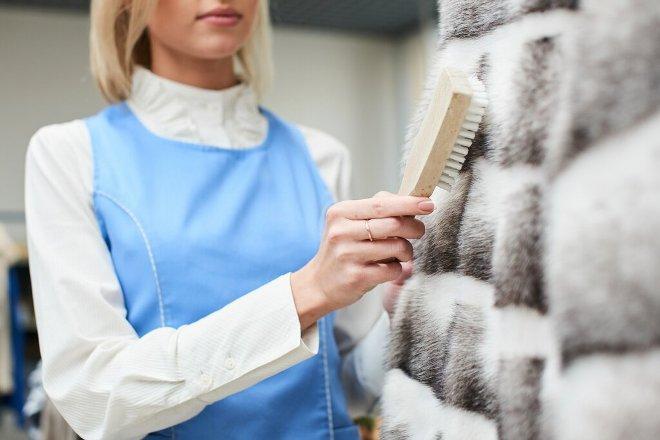 Как хранить норковую шубу в домашних условиях