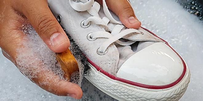 Как очистить белую обувь в домашних условиях