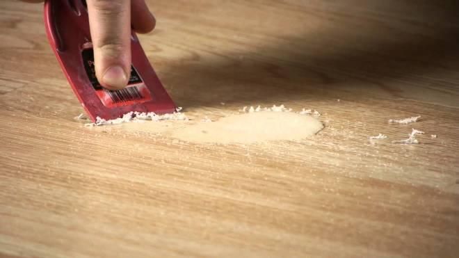 Как очистить воск с разных поверхностей