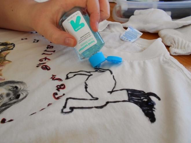 Как отстирать фломастер с одежды