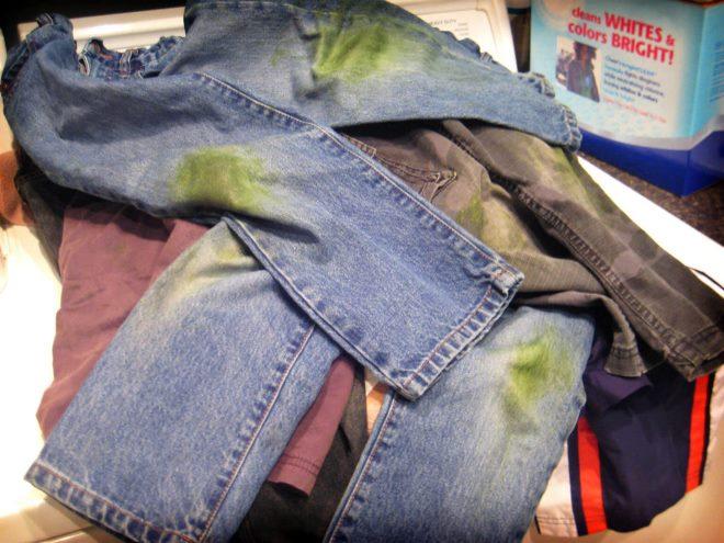 Как отстирать траву с джинсов