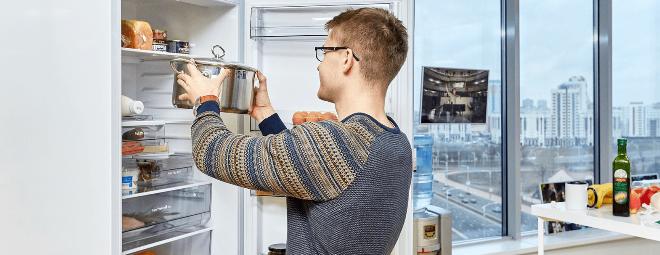 Почему нельзя ставить горячее в холодильник
